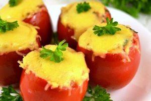 pomidory-farshirovanye-kuricei