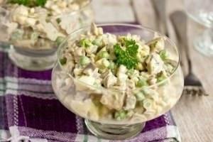 салат с грибами и зеленым горошком